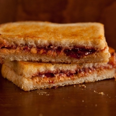 grilled PB&J from chowhound.com